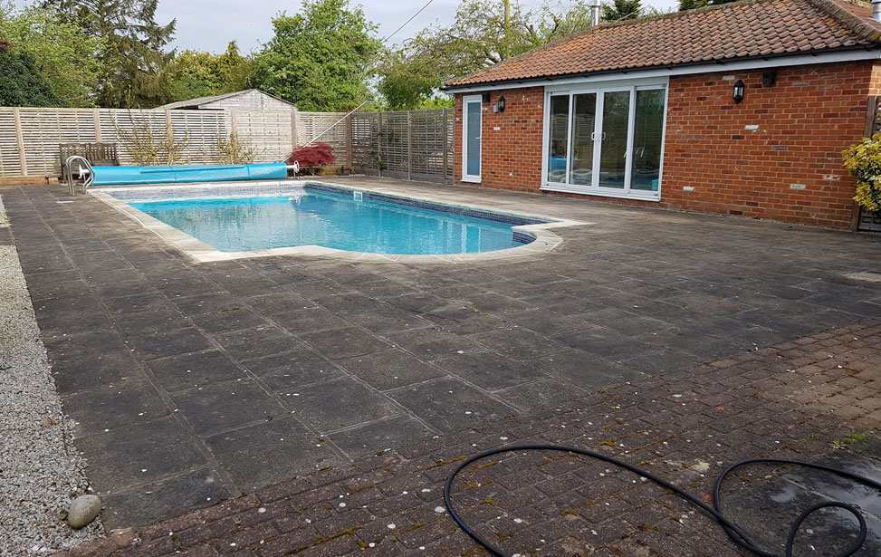 Patio Cleaning in Brentwood & Billericay